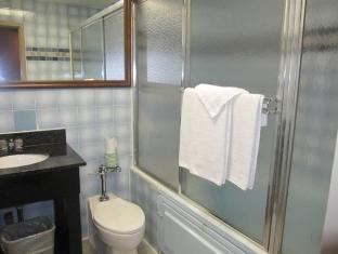 Jets Motor Inn Hotel New York (NY) - Bathroom