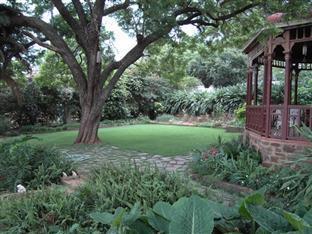 Melvin Residence Guest House Pretoria - Garden view