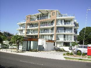 Pier One Apartments PayPal Hotel Hervey Bay