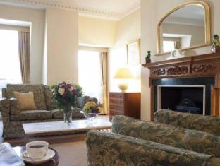 9 Hertford Street Apartments London - Lobby