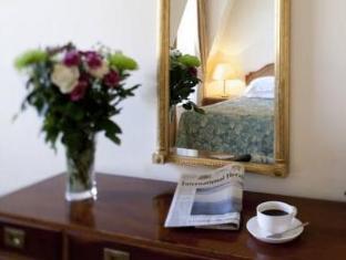 9 Hertford Street Apartments London - Interior