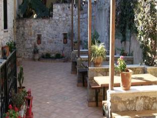 Hibiscus Hotel Kalamata - Exterior