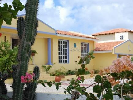 La Pura Vista - Hotels and Accommodation in Netherlands Antilles, Central America And Caribbean