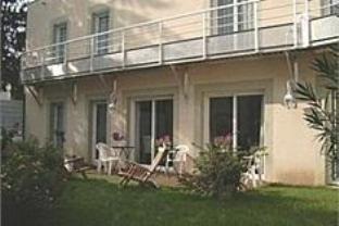Logis A La Villa Boucicaut Hotel
