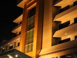 Hotel Kini