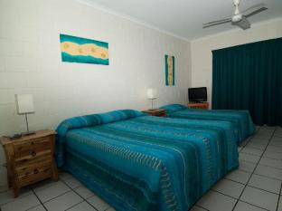 Whitsunday on the Beach Hotel - More photos