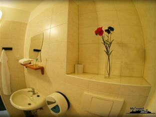 Metropol Hostel Berlin Berlin - Private Bathroom