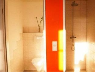 Metropol Hostel Berlin Berlin - Bathroom