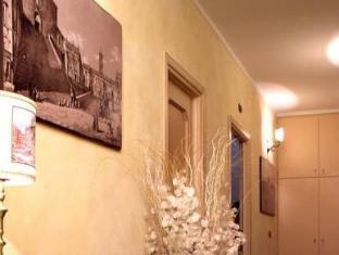 Almes Roma Guesthouse Rome - Interior