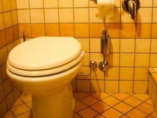 Almes Roma Guesthouse Rome - Bathroom