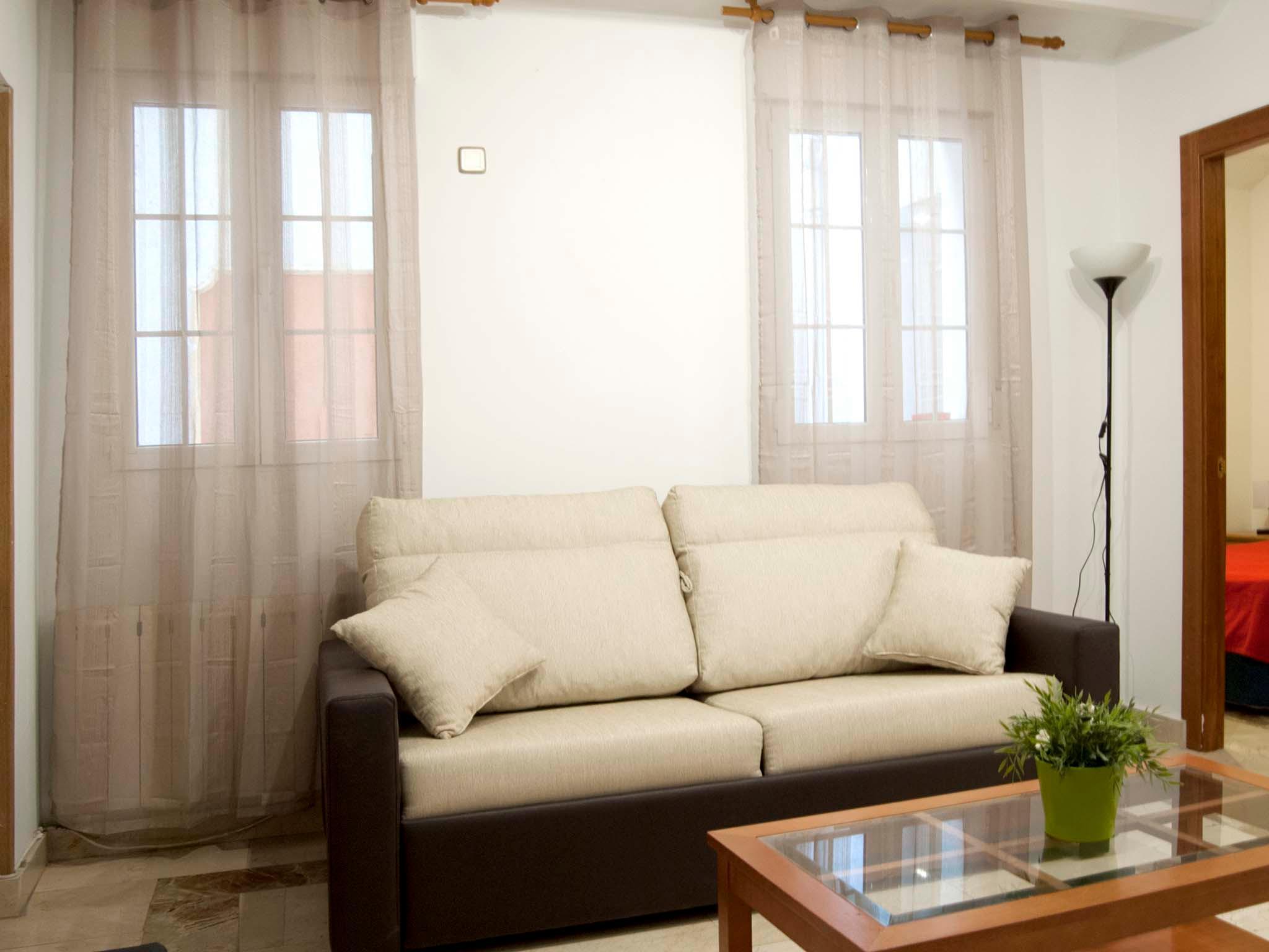 Santa Ana Apartamentos Madrid - Exterior