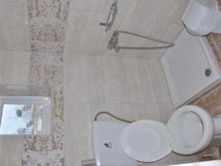 Bikakis Family Apartments Crete Island - Bathroom