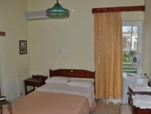 Bikakis Family Apartments Crete Island - Guest Room
