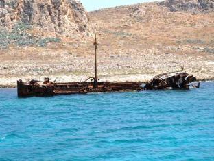 Bikakis Family Apartments Crete Island - Beach
