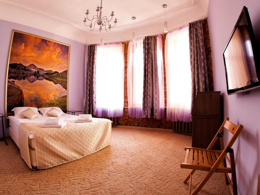 Amplua Hotel