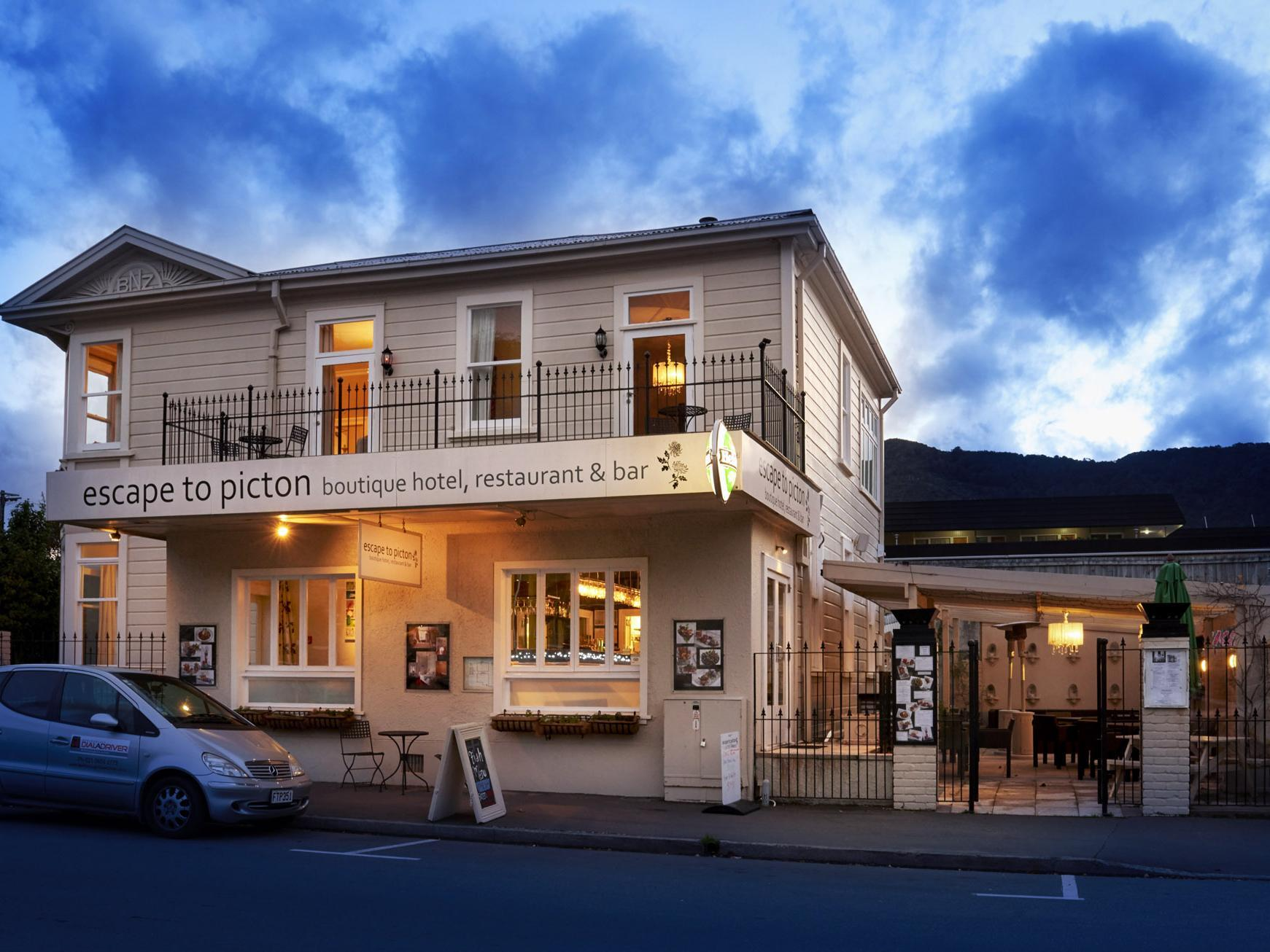 Escape to Picton Hotel - Hotels and Accommodation in New Zealand, Pacific Ocean And Australia
