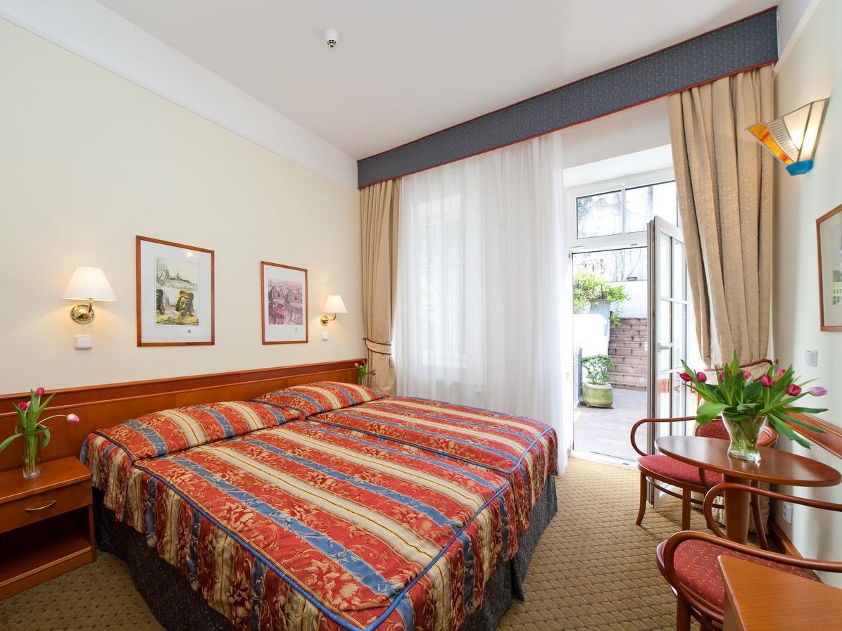 Hotel 16 Praha