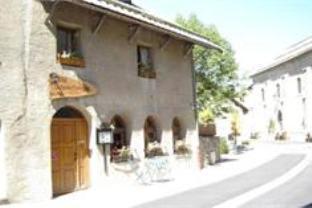 Le Passe Montagne Hotel