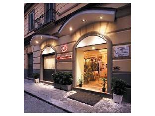 โรงแรมลูนา รอสซา