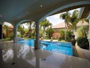 Jasmina Pool Villa at Jomtien Hotel Pattaya - Three Bedroom Villa - Living Area