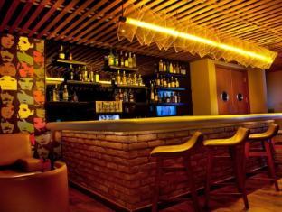 Lemon Tree Premier - Leisure Valley - Gurgaon New Delhi and NCR - Pub/Lounge