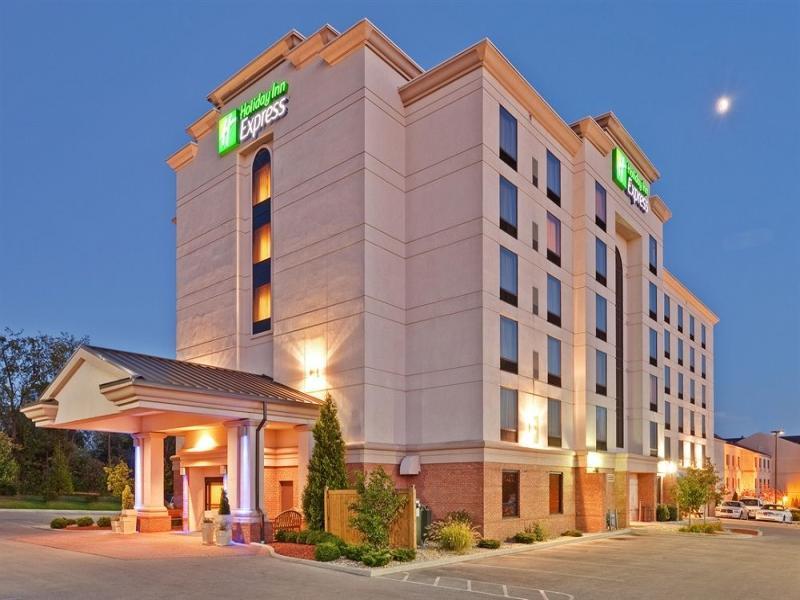 Holiday Inn Hotel & Suite Bloomington
