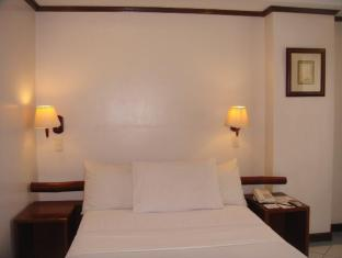 Soledad Suites Bohol - Business Matrimonial Bed