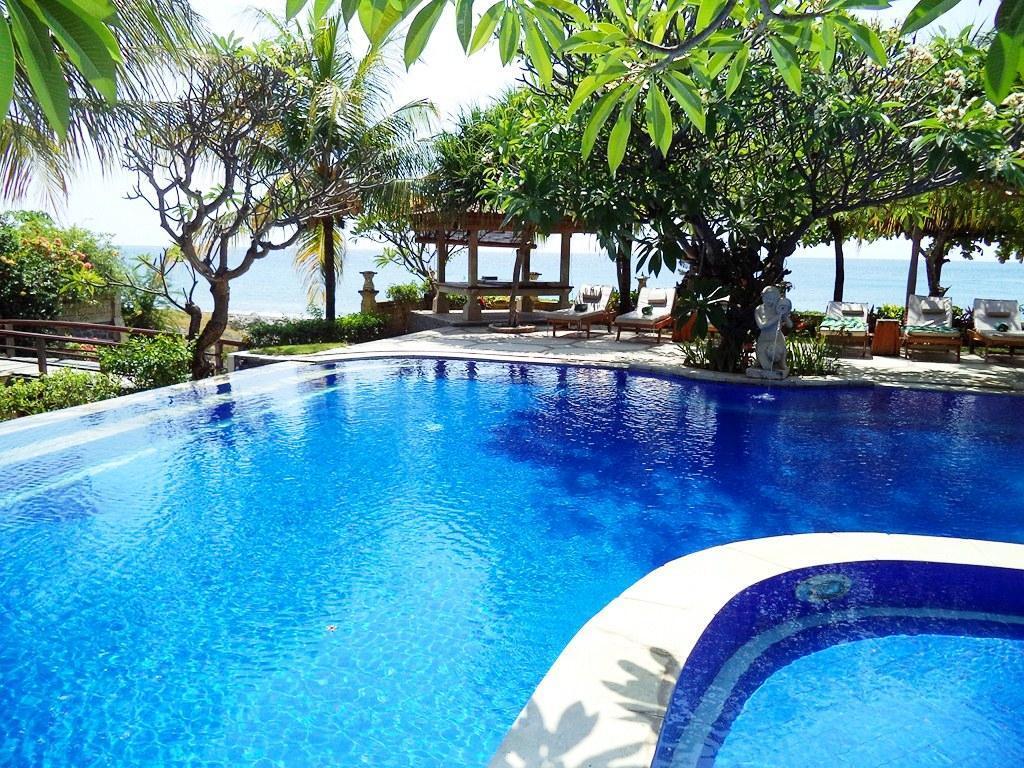 Hotell Arya Amed Beach Resort