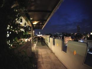 Fortville Guesthouse Bangkok - JhamJun Bar and Restaurant