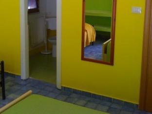 Room photo 9 from hotel Nido Colorato