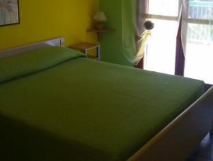 Room photo 6 from hotel Nido Colorato