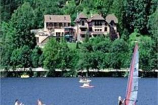 Le Manoir Au Lac Hotel