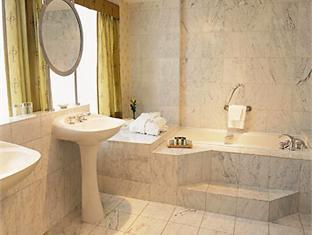Renaissance Toronto Hotel Downtown Toronto (ON) - Bathroom