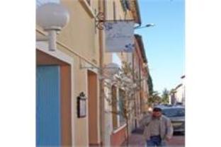 Les Pasteliers Hotel