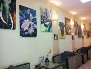 BJ's House Phnom Penh - Lobby / Restaurant
