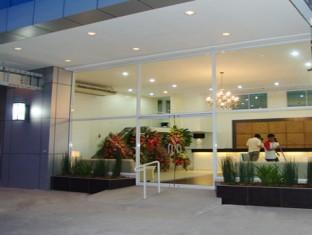 Hotel Pier Cuatro Cebu - A szálloda kívülről