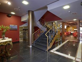 Hotel Sancho Abarca Spa Huesca - Inside the hotel
