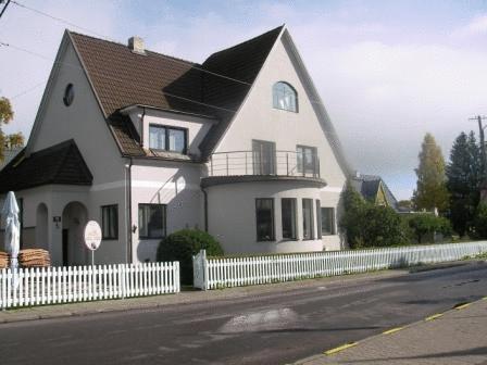 Villa Marleen Guest House פרנו - בית המלון מבחוץ