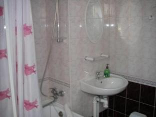 Villa Marleen Guest House פרנו - חדר אמבטיה