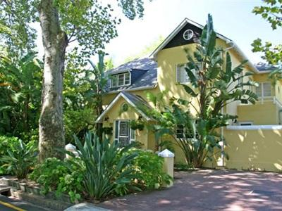 Yellow Lodge Guest House Stellenbosch - Utsiden av hotellet
