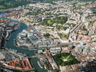 Cleyro Serviced Apartments - City Centre Bristol - Surroundings