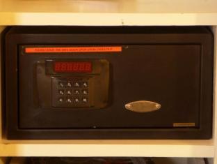 Riviera Mansion Hotel Manila - In-Room Laptop Safety Deposit Box