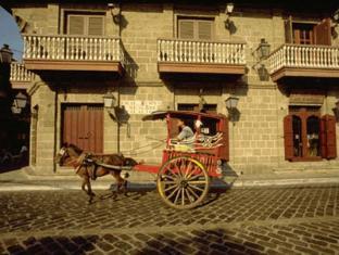 Riviera Mansion Hotel Manila - Walled City of Intramuros