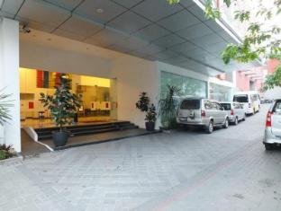 Amaris Hotel Cihampelas Bandung Bandung - Tempat Masuk