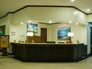 Plaza Del Norte Hotel and Convention Center لواج - مكتب إستقبال