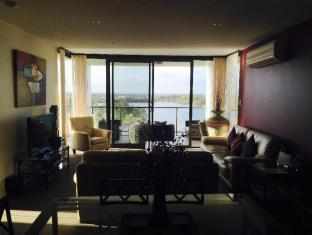 Swan Riverside Luxury Apartment Perth - view from lounge to river