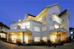 Do Quyen Hotel - Hotels and Accommodation in Vietnam, Asia