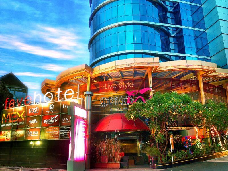 favehotel MEX Surabaya סורבאיה
