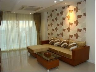 Royal Beach View Suites Pattaya - 1 Bedroom Suite Sea View Living Area