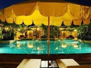 Villa Wanida Garden Resort Pattaya - Swimming Pool